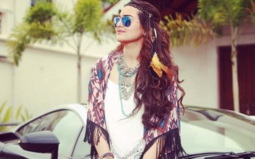 Sonakshi Is Here With Her Debut Single Aaj Mood Ishqholic Hai