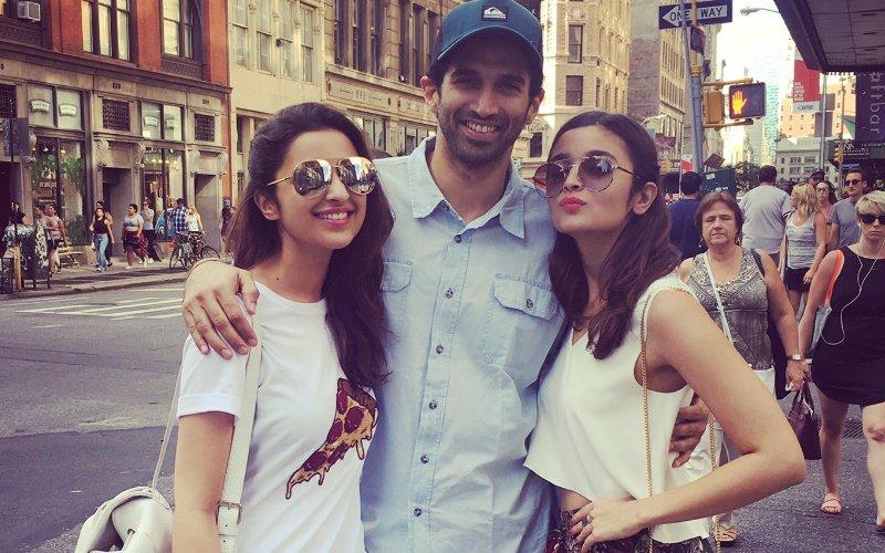 Parineeti, Alia, Aditya Enjoy Shopping Spree In New York