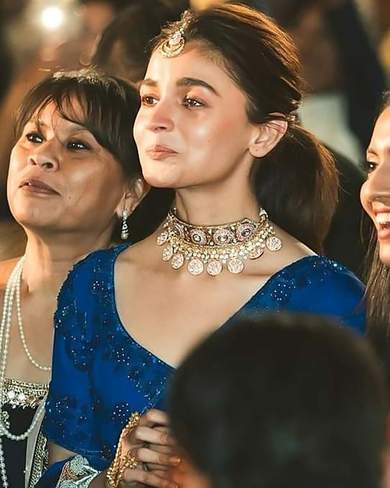 Alia Bhatt Gets Teary-Eyed At Best Friend Devika Advani's Bidaai