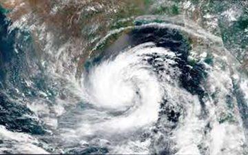 Cyclone Amphan: Subhashree Ganguly, Swastika Mukherjee, Arindam Sil And Others Pray For The West Bengal