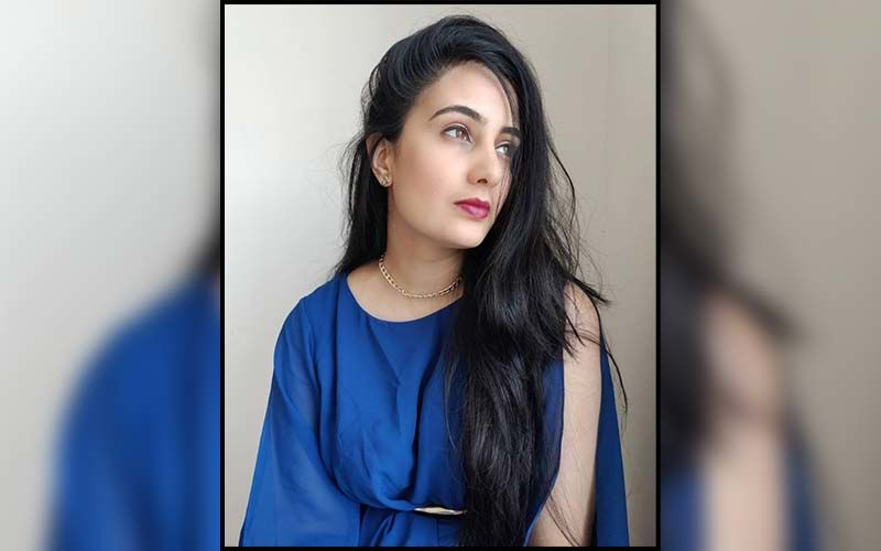 Bigg Boss Marathi Star Sai Lokur Is All Set To Paint The Town Colorful