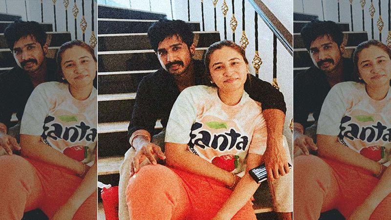 Newlyweds Jwala Gutta And Vishnu Vishal Make For A Stylish Couple At Their Wedding Reception- See Inside Pics
