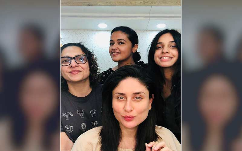 Preggers Kareena Kapoor Khan Poses With Her Team For A Pic; Celebrates Her Last Day On The Sets Of Laal Singh Chadha