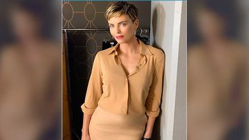 Charlize Theron Has An Oops Moment; Flashes Herself Less Realising She Isn't Wearing Anything-Watch Video