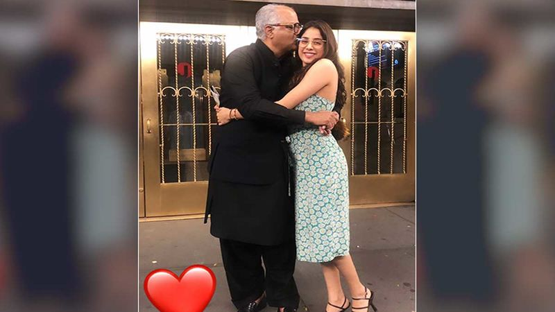 Janhvi Kapoor's Sweet Hugs And Kisses To Father Boney Kapoor In New York Is All Things Adorbs