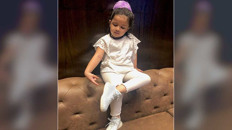 MS Dhoni's Cute Munchkin Ziva Dhoni Steals The Spotlight With Her Cute Sofa Hopping Boomerang Video