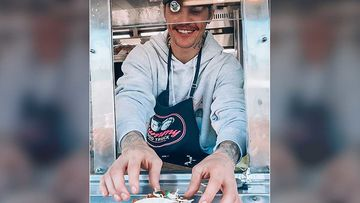 Justin Bieber Sells Tacos To His Customers And Fans At The 'Yummy' Food Truck