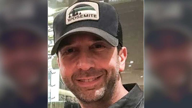 David Schwimmer AKA Ross Trolled For Proposing An 'All Black' Of FRIENDS Version; Fans Remind Him Of Living SIngle