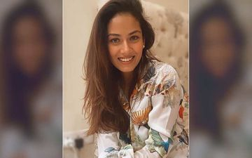Mira Rajput's Throwback Pic With BFFs Is Unmissable; Looks Savage And Different As She Strikes A Pose For The Camera