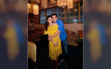 Aditya Narayan Drops First Pic With Long-time GF Shweta Agarwal And CONFIRMS Getting Married In December; Goes Off Social Media For Shaadi Prep