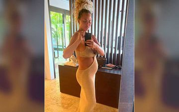 Chrissy Teigen Gives A Glimpse Of Her Body After The Miscarriage; Says 'I Have No Idea Why I Still Have This Bump'