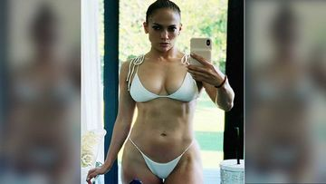 Jennifer Lopez's 'Relaxed And Recharged' Selfie Will Get You Charged Up Like A Light Bulb