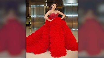 Filmfare Awards 2020: Urvashi Rautela Needed 4 Chairs To Sit In Her Gown; Netizens Troll Her For Massive Red Dress