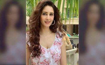 Chahatt Khanna Lashes Out At Trolls On Social Media; Says 'Karma Kisiko Nahi Chodta Hai, Na Mujhe Na Aapko'