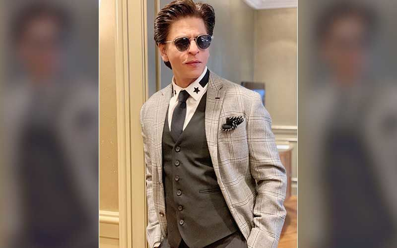 Shah Rukh Khan's Fans Trend #SupportSelfmadeSRK; King Khan's Army Stands Strong In His Support
