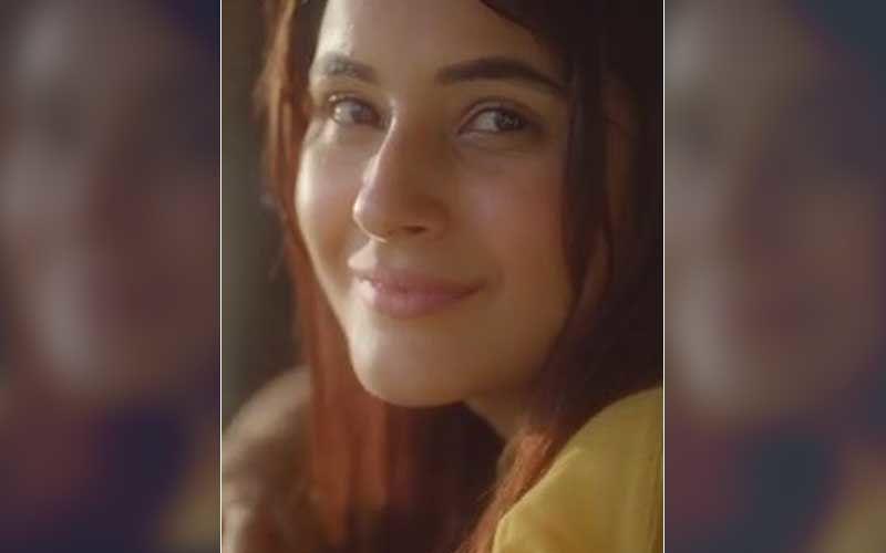 Ye Heartwork Kehlata Hai: Bigg Boss 13's Shehnaaz Gill Croons To The Beautiful Melody Appreciating Efforts Of Unsung Heroes -WATCH