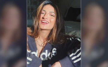 Shweta Tiwari's Daughter Palak Tiwari Sun-Kissed Pic Is LIT AF; The Star Kid Looks Ethereal As She Flaunts A Million-Dollar Smile