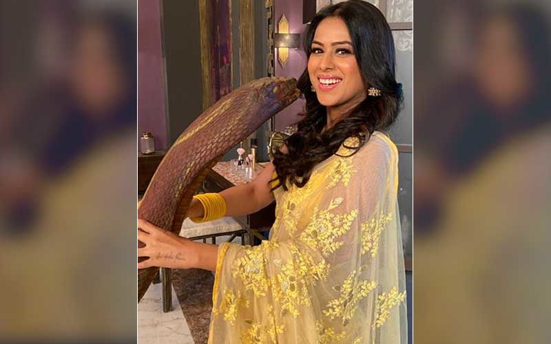 Naagin 4 Actress Nia Sharma Shares A Pic Of Her Kissing The Naagin On Sets; Credits Co-Actor Vijendra Kumeria For The Shot
