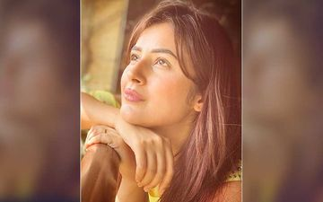 Bigg Boss 13's Shehnaaz Gill Gives Gyaan On What One Must Do When Life Gives Rainy Days; Her Excitement For Monsoon Is Next-Level