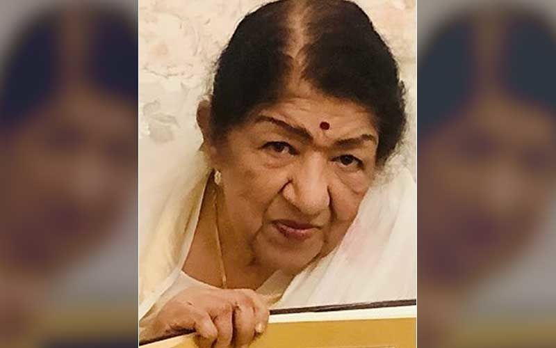 Lata Mangeshkar's Peddar Road Building Gets Sealed By BMC After Resident Tests Posive For COVId-19; Legendary Singer And Family Are Safe