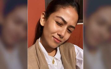 Mira Rajput Drops A 'Toasty' Makeup-Free Selfie; Flaunts Her Radiant Skin Flashing A Big Smile
