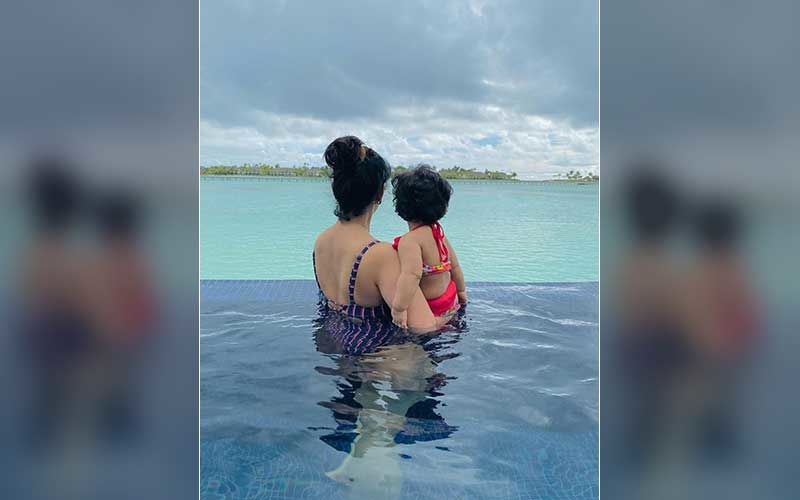 Ankita Bhargava Shares A Surreal Pic With Daughter Mehr As They Gaze Over The Ocean; Wants To Take Her Little Princess Around The World