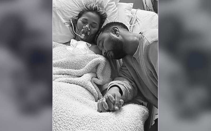 John Legend's Wife Chrissy Teigen Marks Her 'Due Date'; Remembers She Had Miscarried Son Jack, Says 'We Love You Forever'
