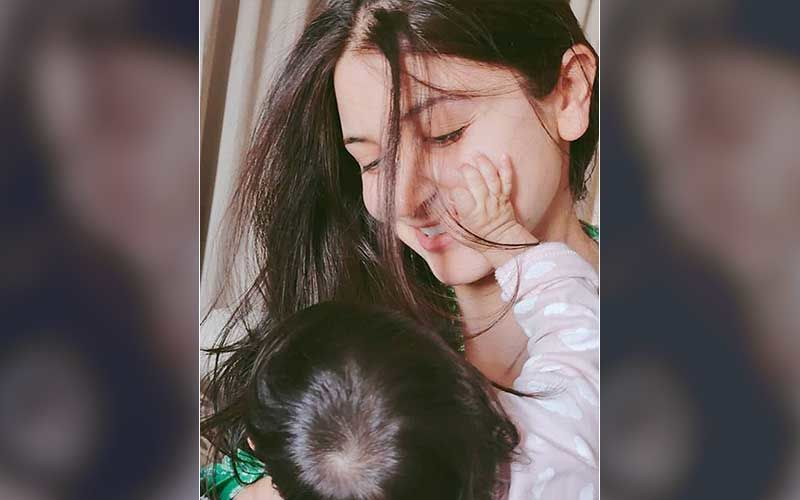 Anushka Sharma Celebrates Two Months Of Daughter Vamika's Birth; Shares A Pic Of Baby Girl's Massive Rainbow On Clouds Cake