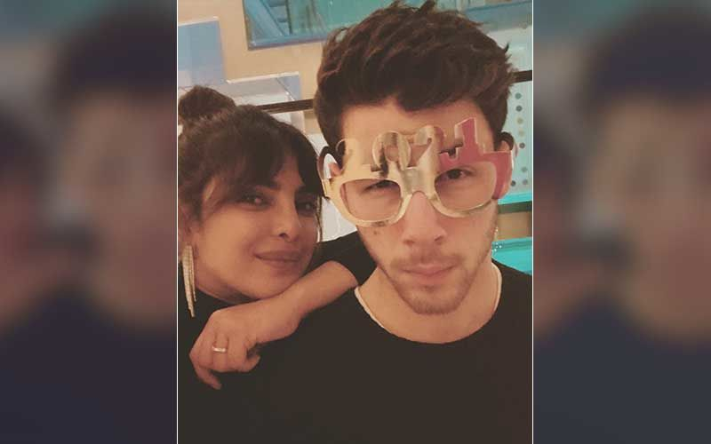 Oscar 2021 Nominations: OOPS, Priyanka Chopra And Nick Jonas Are 'Caught In The Act' Of Stealing The Oscar Trophy