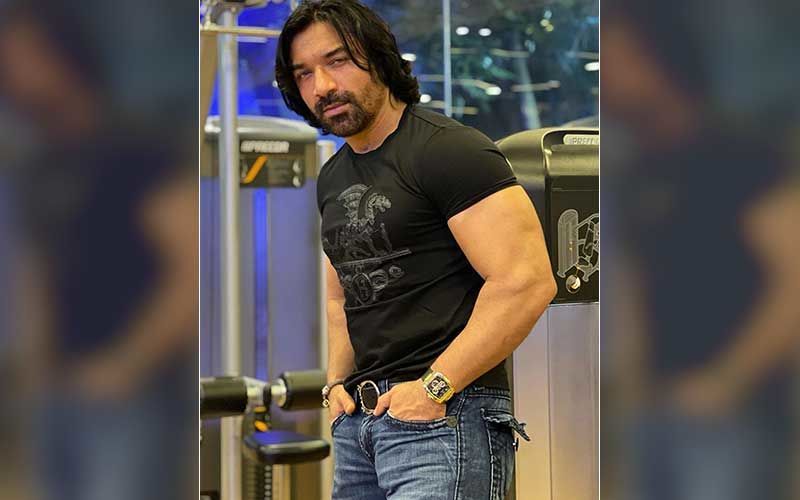 Zomato Row: Ajaz Khan Extends Support To Delivery Boy; 'Agar Ye 5-10 Minutes Late Ho Jaye, Toh Aap Inhe Chappal Se Nahi Maar Sakte'-Video