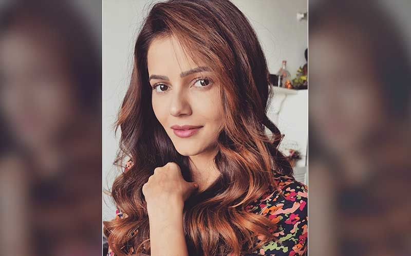 Bigg Boss 14 Winner Rubina Dilaik Is Overwhelmed As She Gets Clicked By The Paparazzi; Looks Beyond Beautiful In A Pencil Skirt And Polka Dot Shirt
