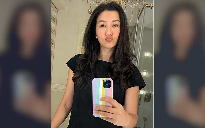 Gauahar Khan Shares A Mirror Selfie Amidst BMC FIR Controversy; Says 'No Greater Legacy Than Honesty'