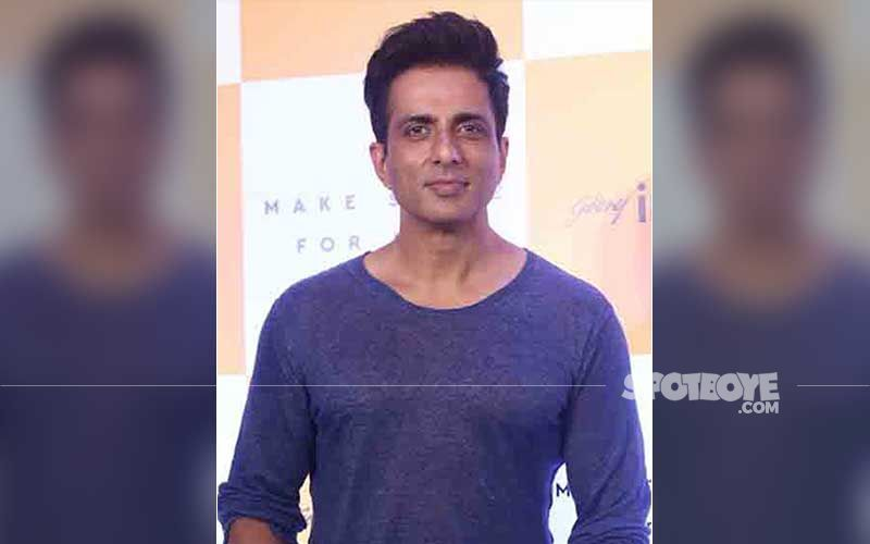 Sonu Sood Has THIS To Say While Replying To A Netizen Who Suggested He Should Join Politics; Actor's Response Wins Hearts