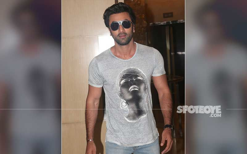 Ranbir Kapoor Gets Clicked As He Heads Out In The City; Actor Ensures His Mask Is Intact, Follows Social Distancing From Paps-WATCH Video