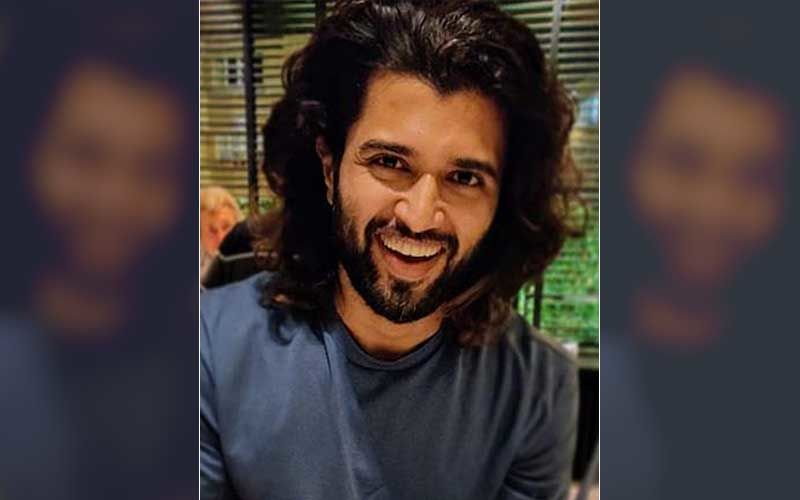 Liger's Vijay Deverakonda Fulfils His Fan's Last Wish; 'With Tears In My Eyes, I Am Saying A Prayer For You Right Now' –WATCH