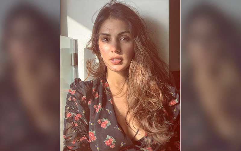 Rhea Chakraborty Asks Fans To 'Hang In There' Ahead Of Sushant Singh Rajput's First Death Anniversary; Says 'From Great Sufferings, Come Great Strengths'