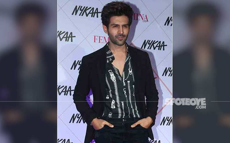 Kartik Aaryan Spotted In Town, Waves At Paps From A Distance, Maintains Low Profile After Aanand L Rai Says 'No Film Was Signed With Actor'