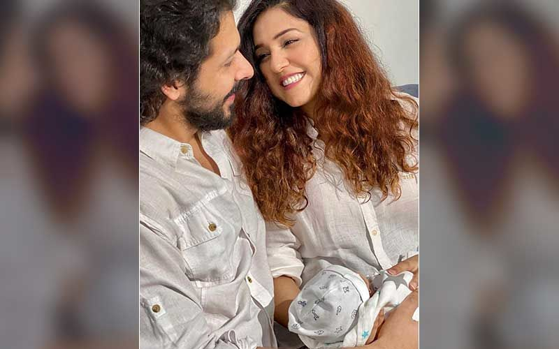 Neeti Mohan Introduces Her Son 'ARYAVEER' To The World With An Adorable Family Photo; Singer Says 'He Multiplies The Happiness And Sense Of Gratitude'