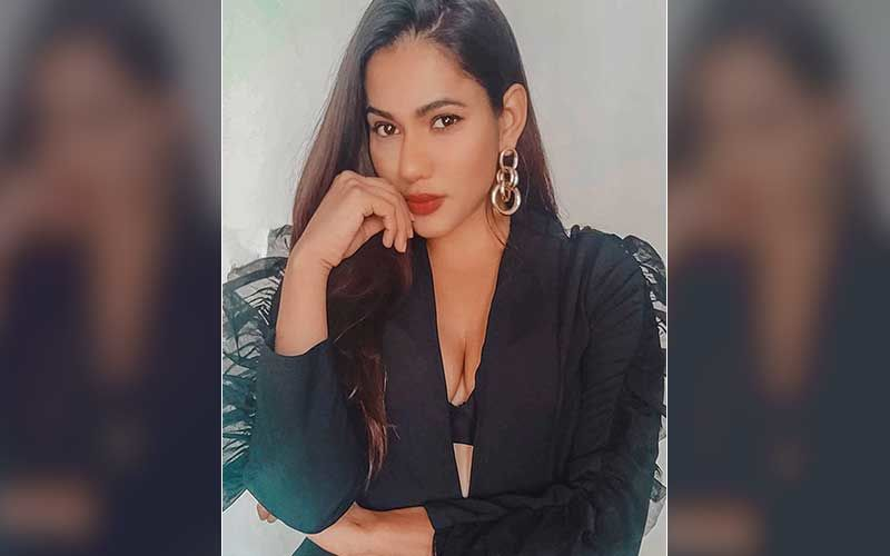 Kundali Bhagya actress Twinkle Vasisht Schools A Troll After Being Body-Shamed For 'Fatty Tummy'; Replies 'Thanks For Your Opinion That Wasn't Required'