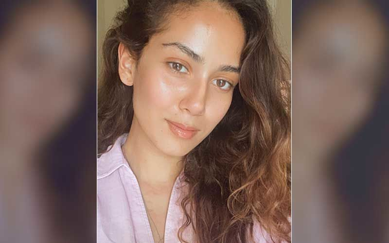 Mira Rajput Shares A Glimpse Of Her When Walking Into Yoga Class; Shows 'Expectation Vs Reality' While Performing Asanas