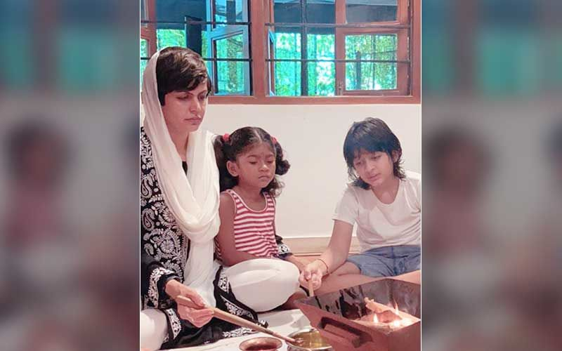 Raj Kaushal's One Month Death Anniversary: Mandira Bedi Performs Puja With Kids Vir And Tara; Shares A Pic Of The Ritual