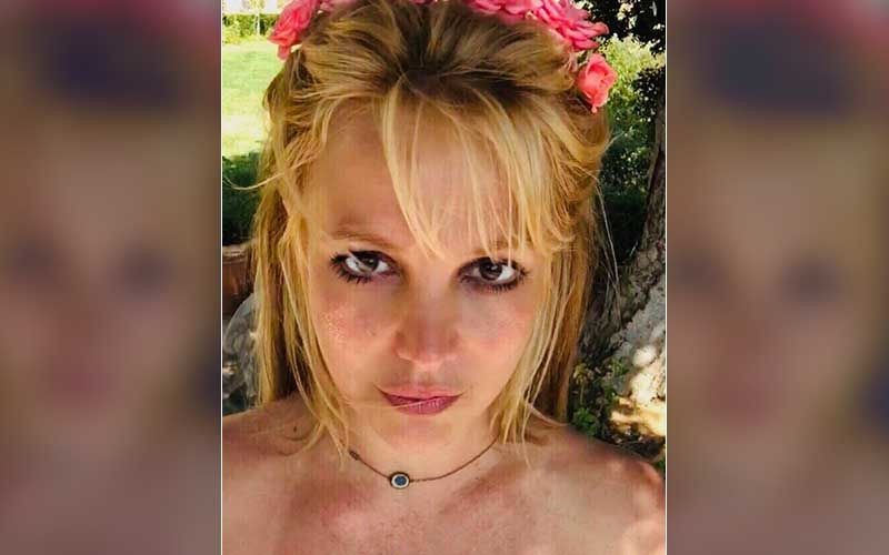 Britney Spears' Ex-Manager Claims She 'Borrows Phones From Strangers' To Avoid Conservatorship Monitoring Her Device