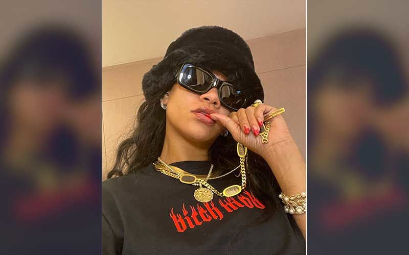 Rihanna Wins The Internet With Her Modest Response To Becoming A Billionaire; Fans Say 'So Humble'