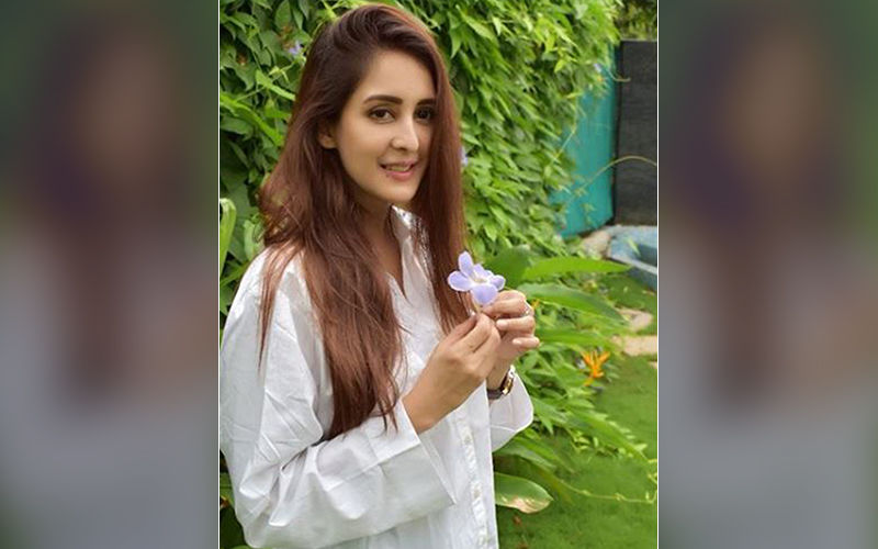 Chahatt Khanna Voices Her Opinion On The #MeToo Movement; Says It Is Very Important