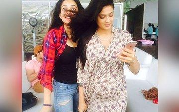 Shweta Tiwari Flaunts Her Baby Bump