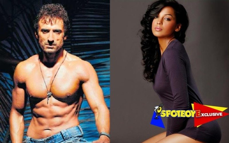 Rahul Dev moves in with Mugdha Godse