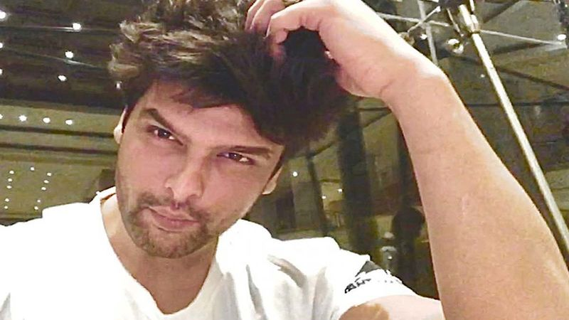 Sidharth Shukla Death: Kushal Tandon Quits Social Media, Slams People Visiting Late Actor's Residence Only To Get 'CLICKED' By The Paps