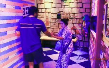 Bigg Boss 13: Shehnaaz Gill Wears A Beauty Mask, Scares Sidharth Shukla As She Pulls Him Inside The Bathroom – Video