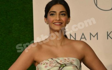 Videos from Sonam Kapoor's birthday party