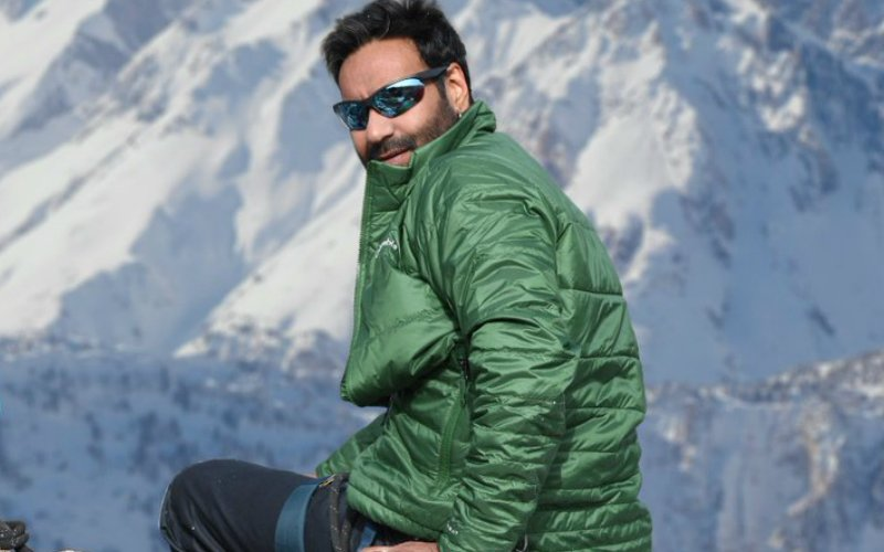 Check out Ajay Devgn fighting hypothermia during Shivaay shoot